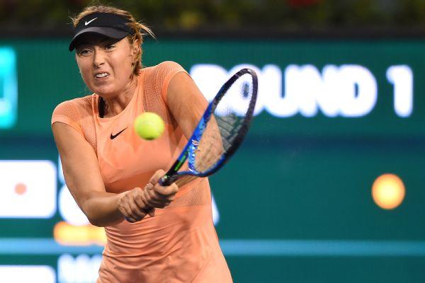 Maria Sharapova fell 6-4, 6-4 to Naomi Osaka in the first round of the BNP Paribas Open.