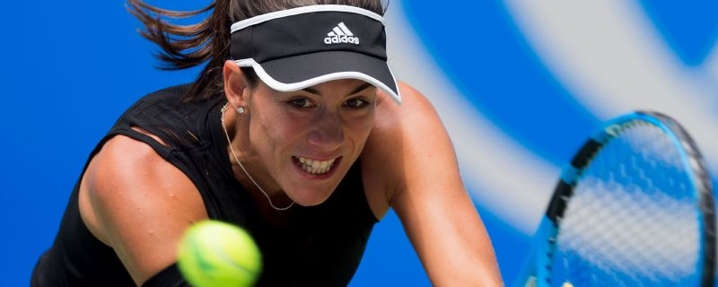 Garbine Muguruza is through to the semifinals in Hong Kong.