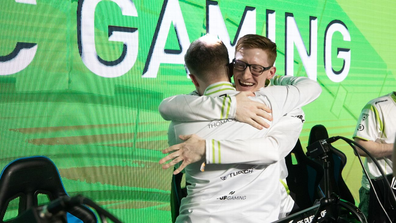 Seth Scump Abner celebrates with his OpTic Gaming team after winning the 250,000 CWL Las Vegas Open last weekend.