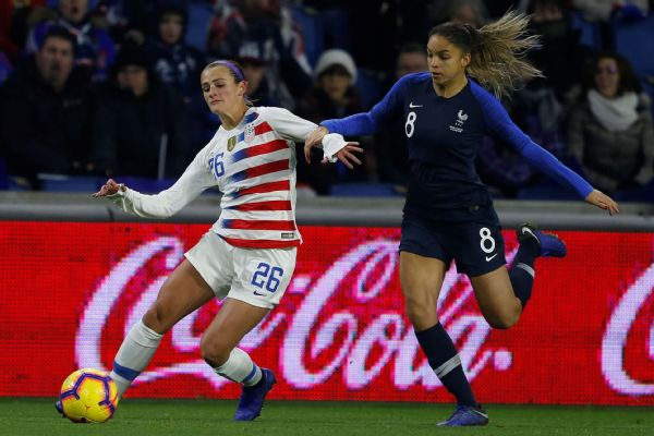 Depth at outside back is an issue for the U.S., as Emily Fox had a difficult first half Saturday against France's Delphine Cascarino.