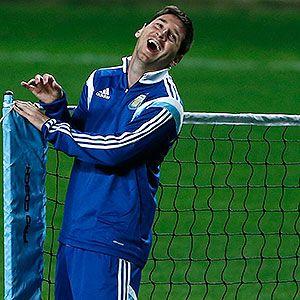 Argentina entrenó frente a miles de fans