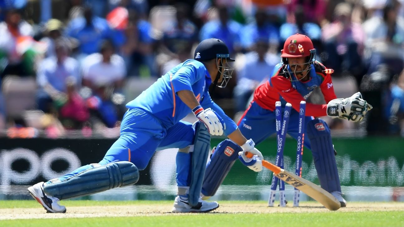 World Cup Central: Tendulkar unhappy with Dhoni's lack of 'positive intent'