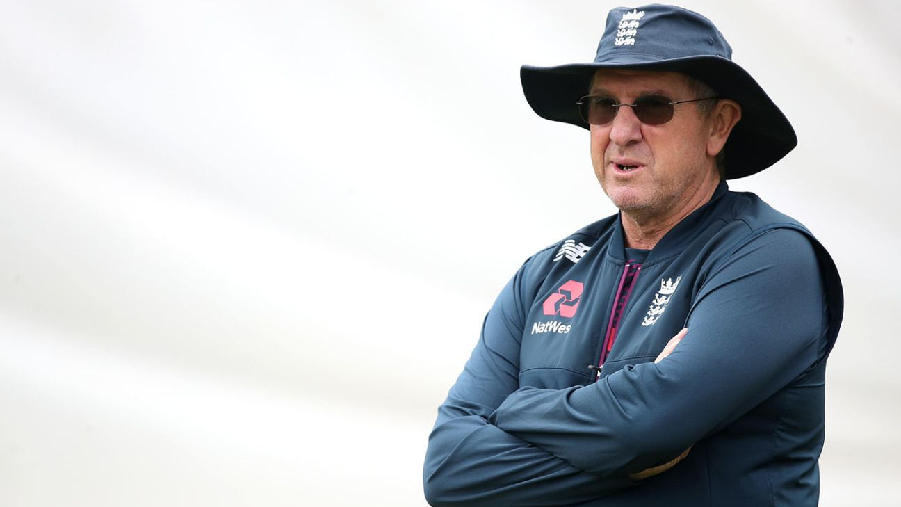 Trevor Bayliss calls for fewer counties, better pitches to bridge 'huge gap' to international level