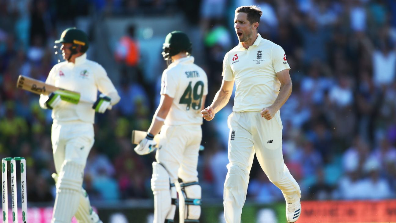 England's Plan B goes back on the shelf as Steven Smith misses a straight one