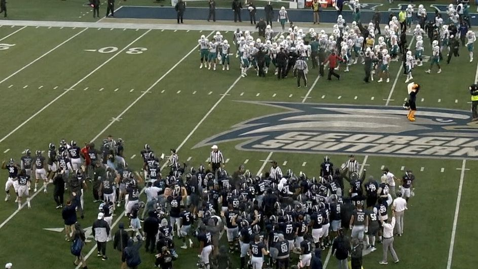 Dancing by Georgia Southern, Coastal Carolina players leads to penalties