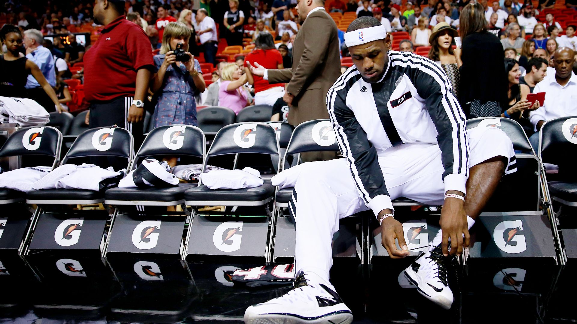 7257444dfb95 LeBron James not happy with latest Nike sneakers