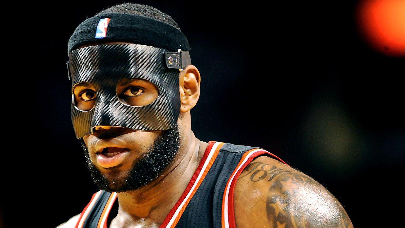 盤點被NBA禁止的六大行為:軟豆反戴髮帶,詹姆斯的「佐羅面具」!