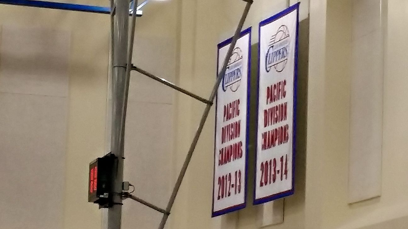 1c8010f24 Los Angeles Clippers won t hang division title banners at Staples Center