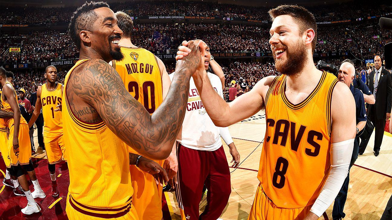 de3b03f442e0 Milwaukee Bucks acquire Matthew Dellavedova from Cleveland Cavaliers