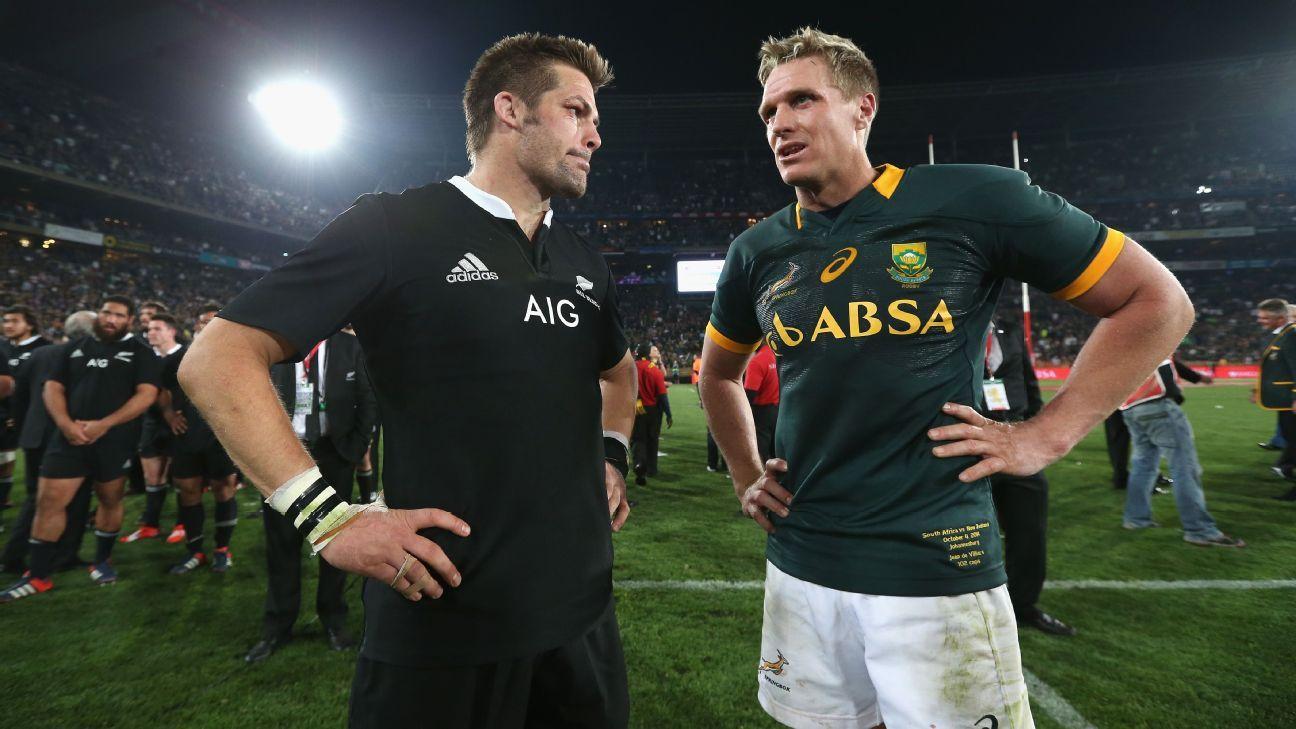 Jean de Villiers shows off 'loose' knee in viral video clip