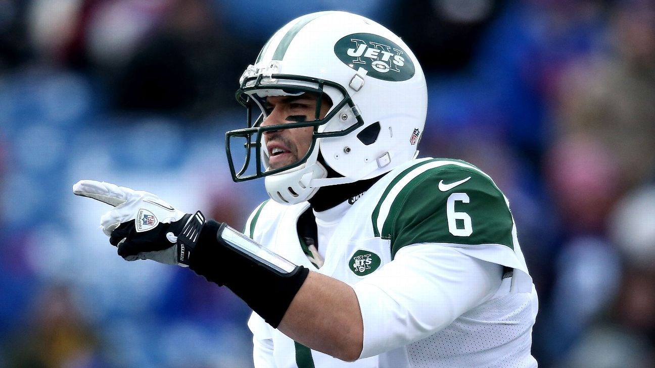 0670e2b98 Redskins sign Mark Sanchez to be backup QB