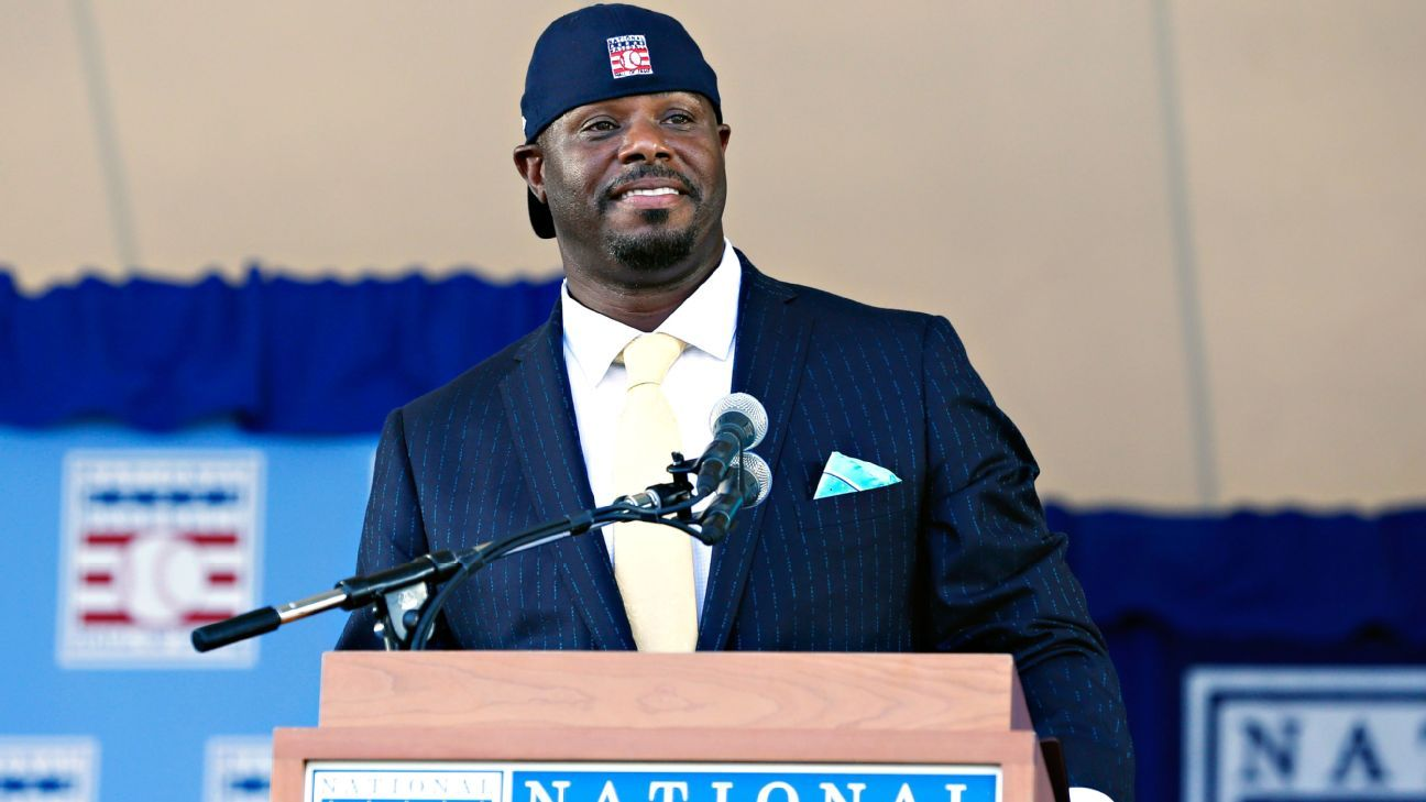 ec77e9d97f Ken Griffey Jr. wore the best suit to Hall of Fame induction ceremony