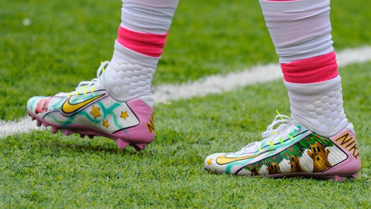 2194153d82faa Odell Beckham Jr. rocks Kirby cleats in game Sunday