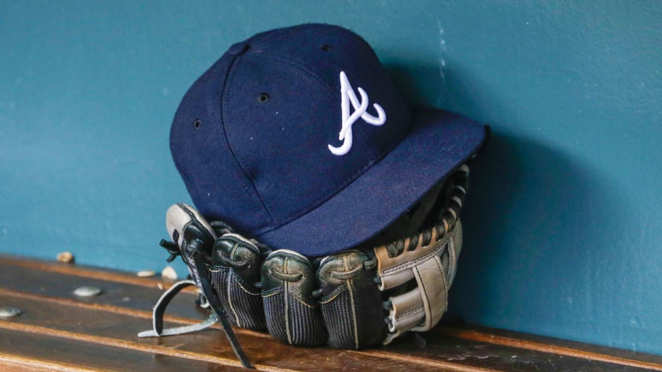 Hank Aaron on hand as hopeful Braves ramp up