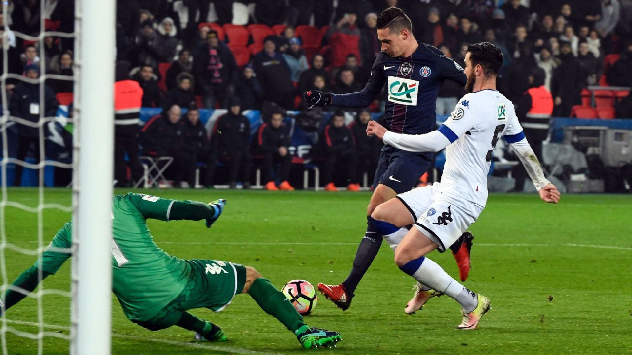 Coupe: Draxler scores on PSG debut in rout