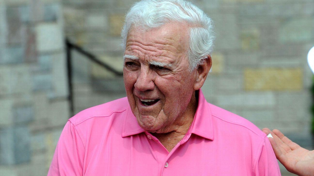 Notre Dame coach Ara Parseghian dies at 94 f9c438e14