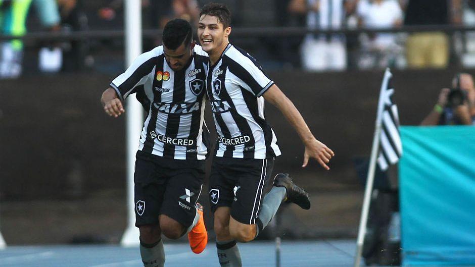 61150d264718a Botafogo marca no fim e vence reservas do Grêmio no Brasileirão