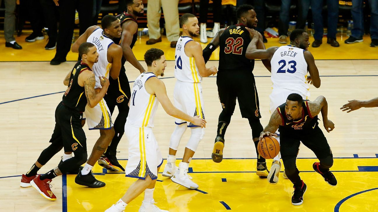 c3f409cda9b JR Smith's late blunder leads to Golden State Warriors' wild Game 1 win -  NBA