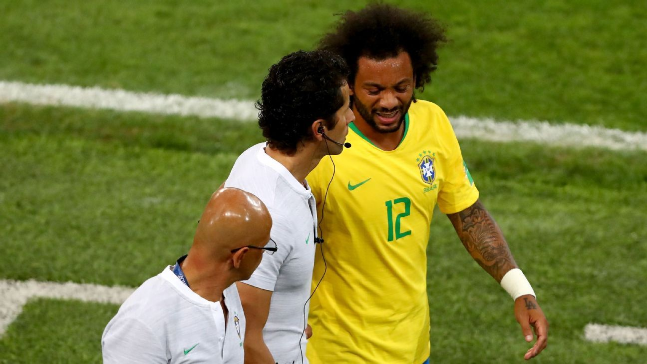 0116ac017 Marcelo exits Brazil match against Serbia with back injury