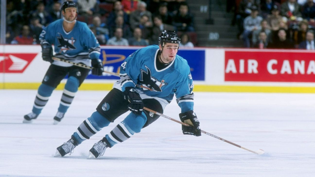 Franchise icon Patrick Marleau back as Shark for 2nd stint