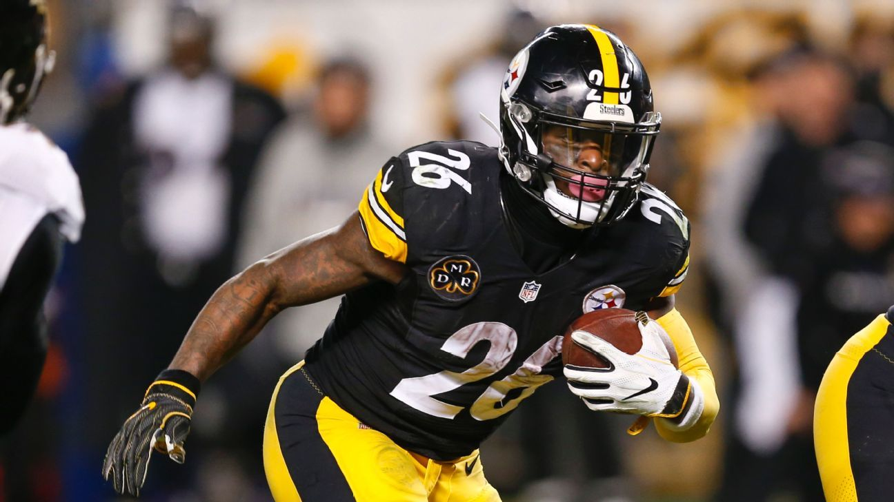 Steelers GM says that team will not use tag on Le'Veon Bell
