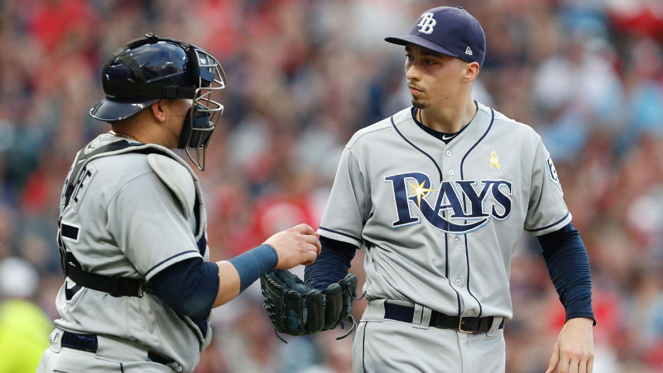 Rays ace Snell back to work after pay gripes
