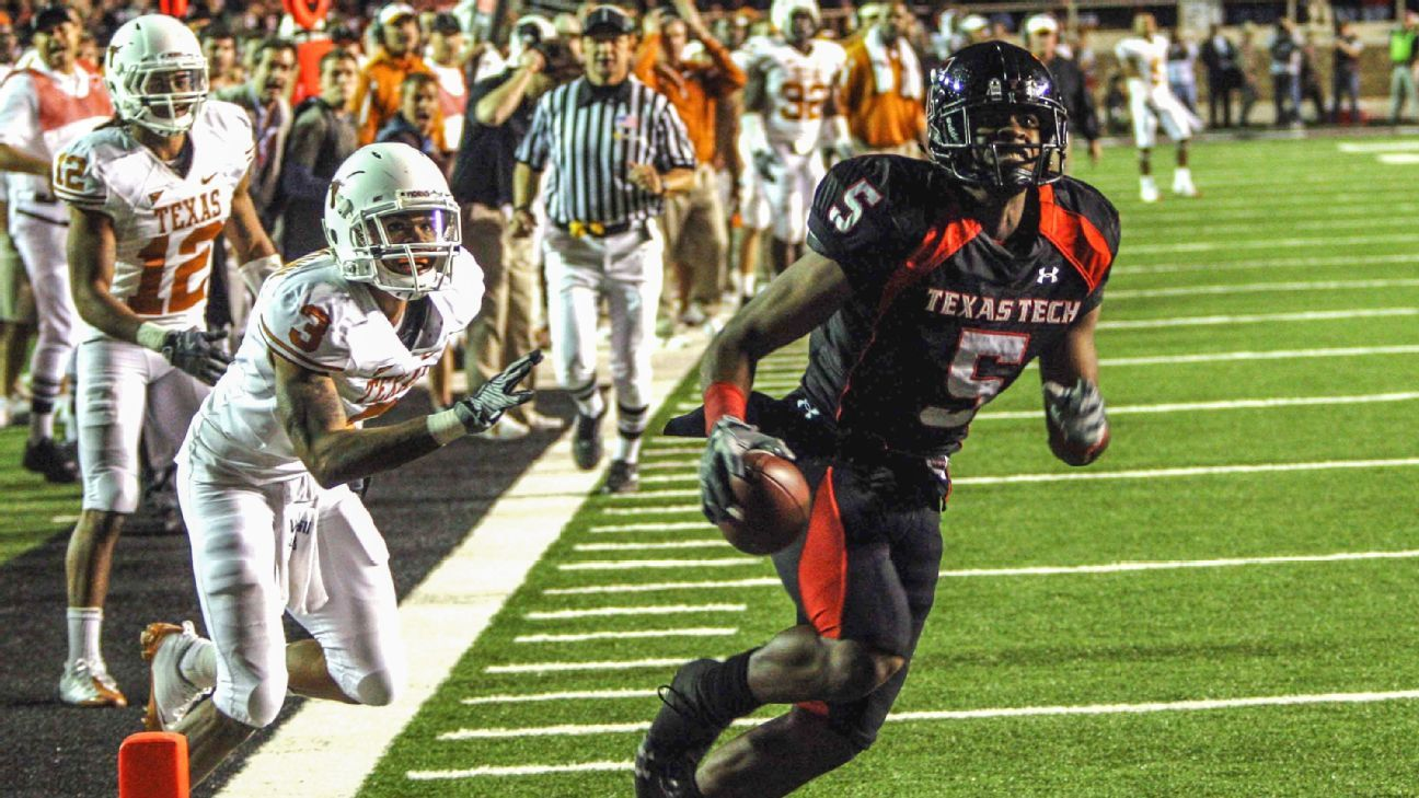 Texas Tech Texas Longhorns 2008 game Michael Crabtree catch