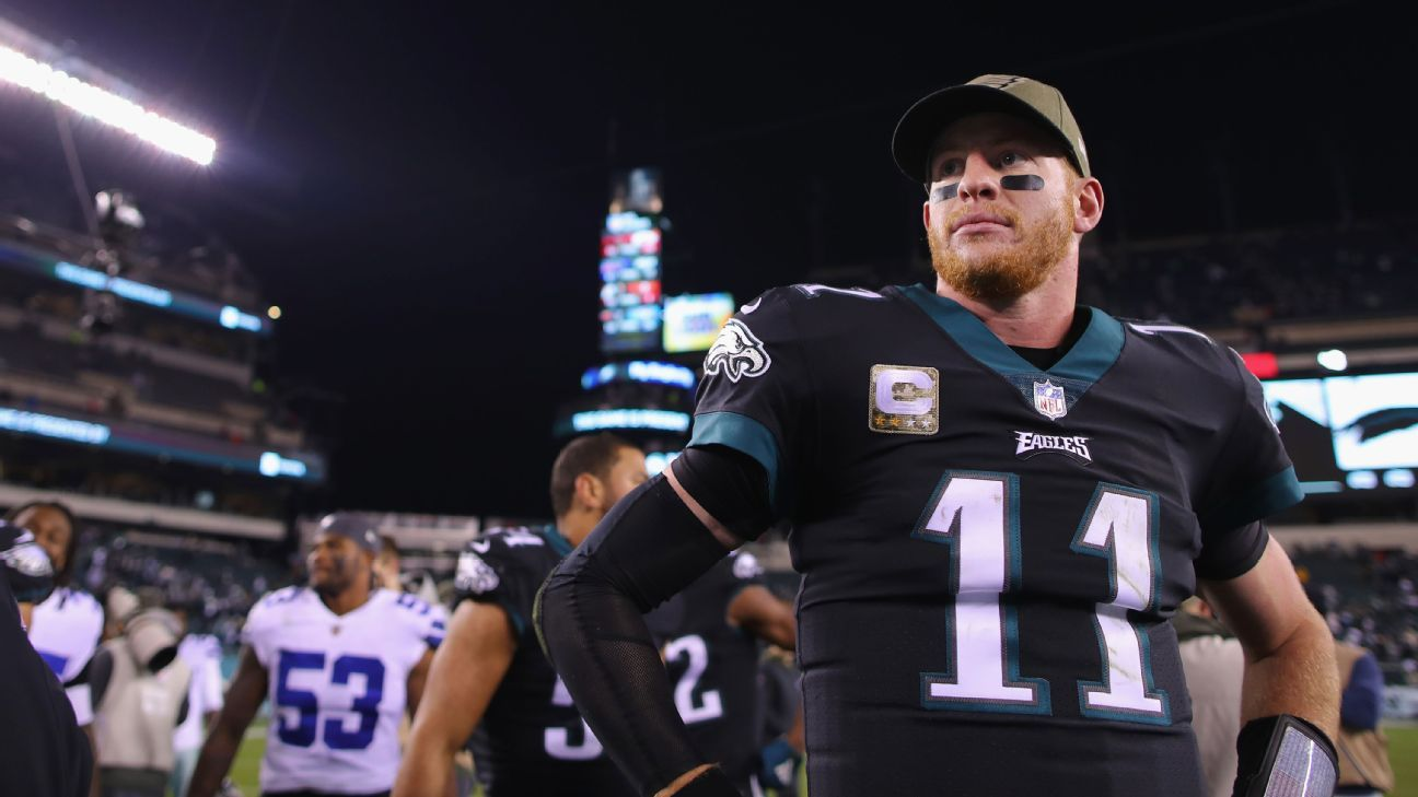 With the Eagles' starter coming off two significant injuries and the QB market rising steadily, the timing seems right for a long-term contract.