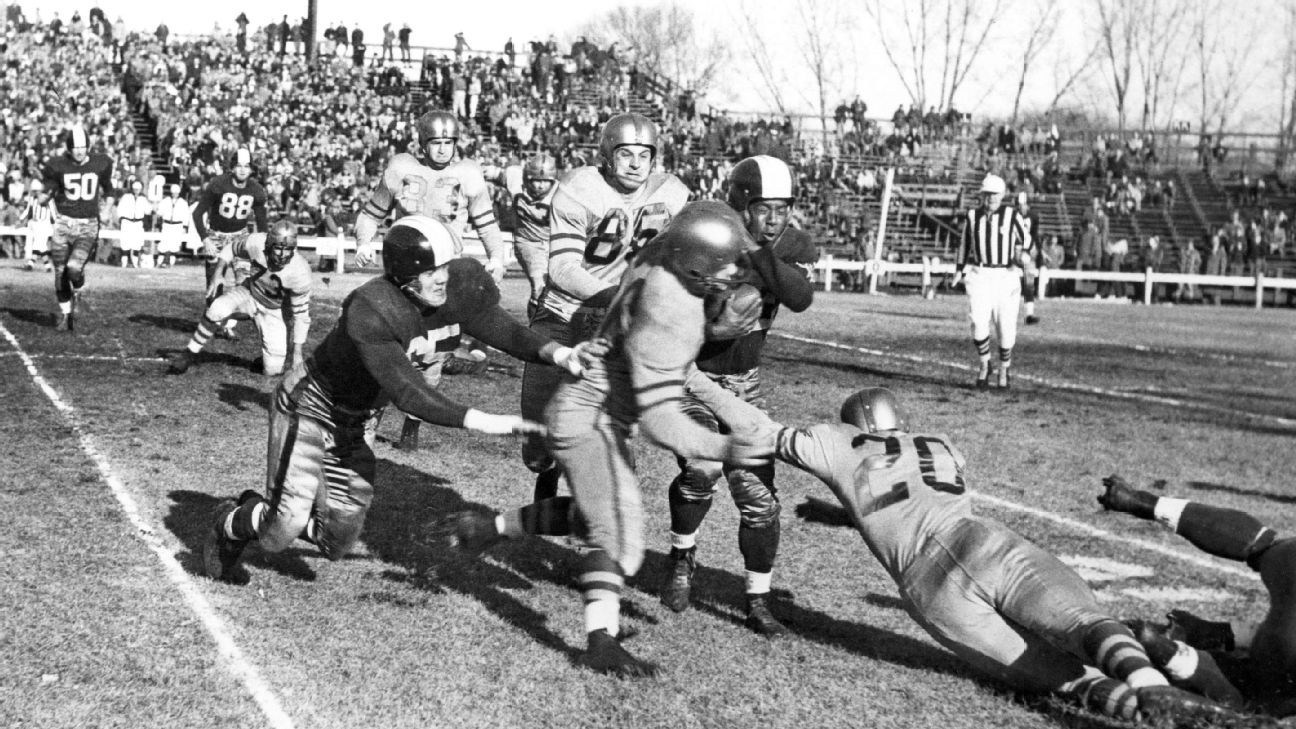 a4b319aec How the 1952 Dallas Texans became NFL laughingstock but pulled off  Thanksgiving miracle against Chicago Bears
