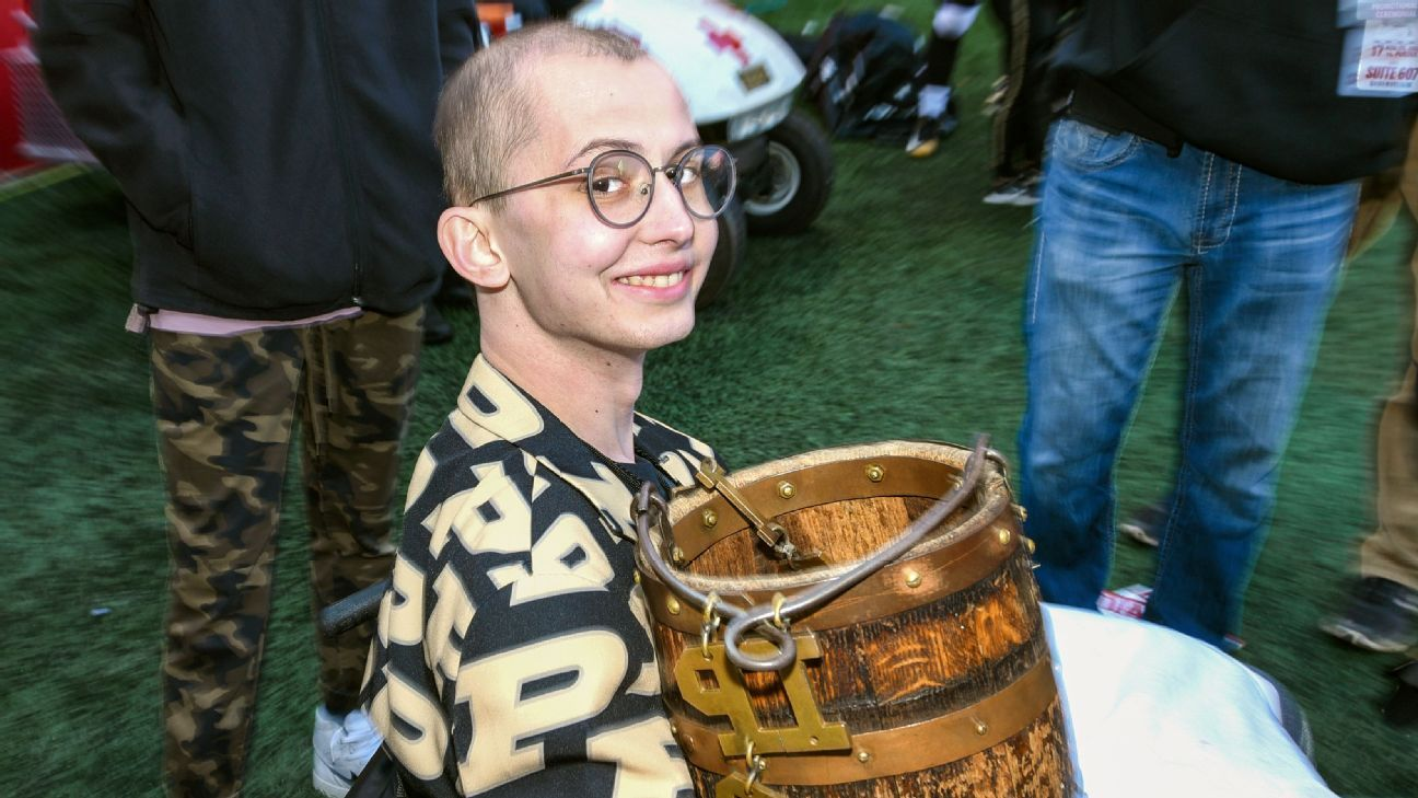 The ESPN Daily: The legacy of Tyler Trent, LeBron's revenge tour and the fallout from a middle finger in Seattle