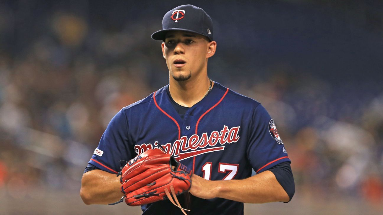 Blue Jays get P Berrios from Twins for prospects
