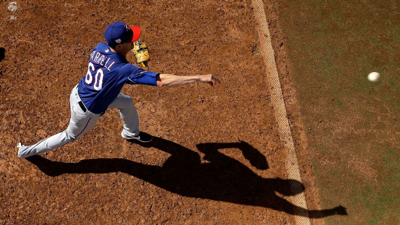 Rangers' Farrell back after broken jaw, concussion