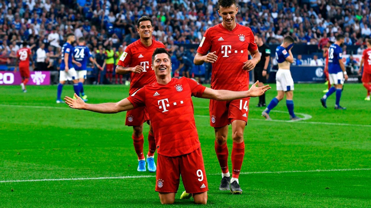 Lewy steals show in Coutinho's Bayern debut