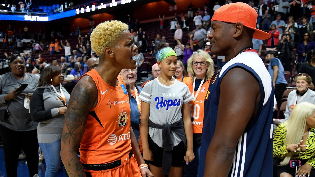 Sun's Courtney Williams a force down the stretch in Game 1 win over Sparks