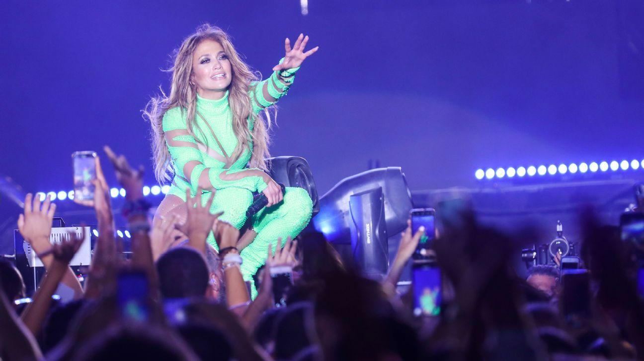 J-Lo, Shakira to co-headline Super Bowl halftime