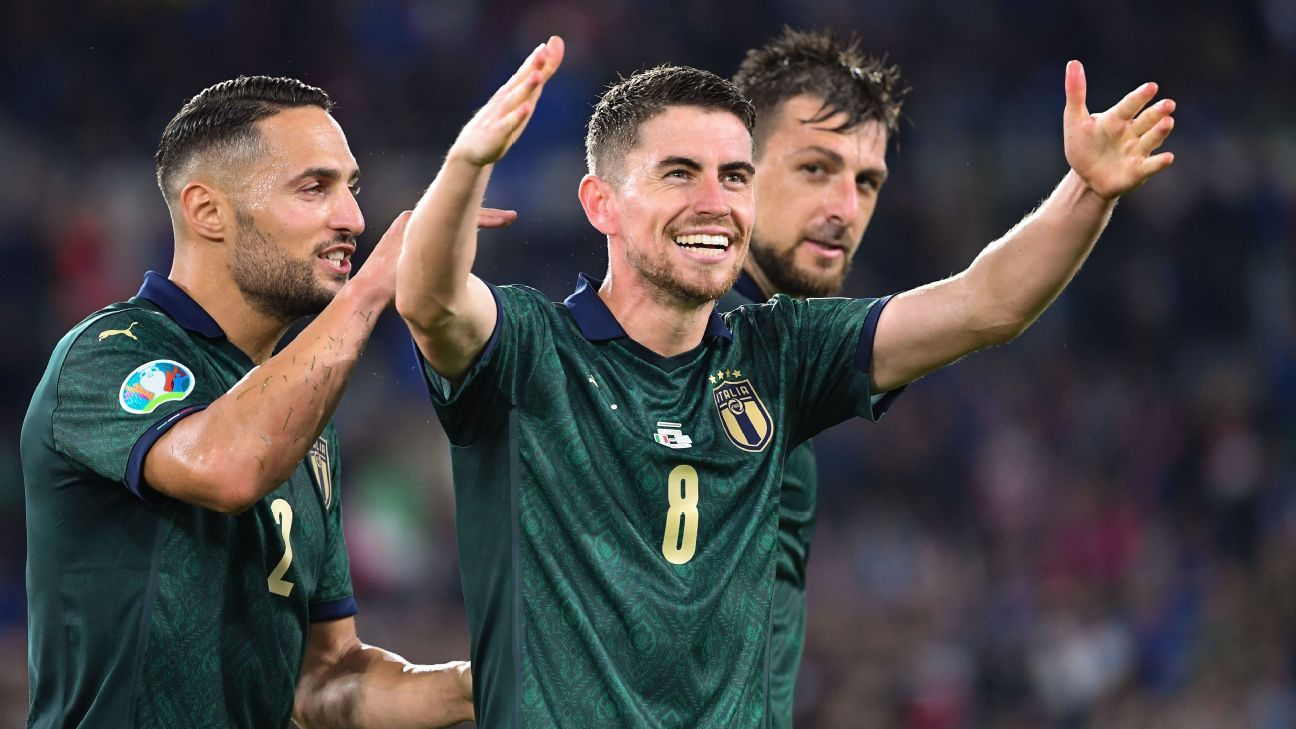 Italy qualify for Euro 2020 with victory over Greece