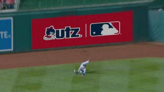 La 'bola muerta' engaña a jugadores, fans y camarógrafos en MLB I?img=%2Fphoto%2F2019%2F1016%2Fr613473_576x324_16%2D9