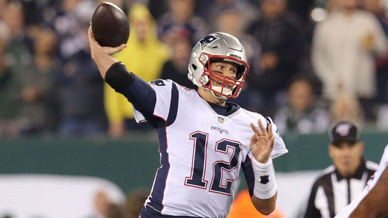 Sizzling start by Tom Brady, Patriots' offense complements dominant D