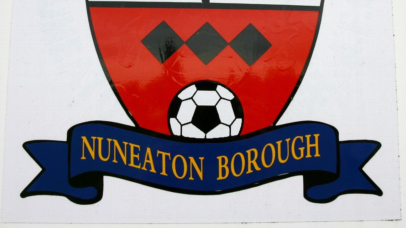 Toe Poke Daily: Nuneaton Borough goalie takes the worst penalty kick of all time