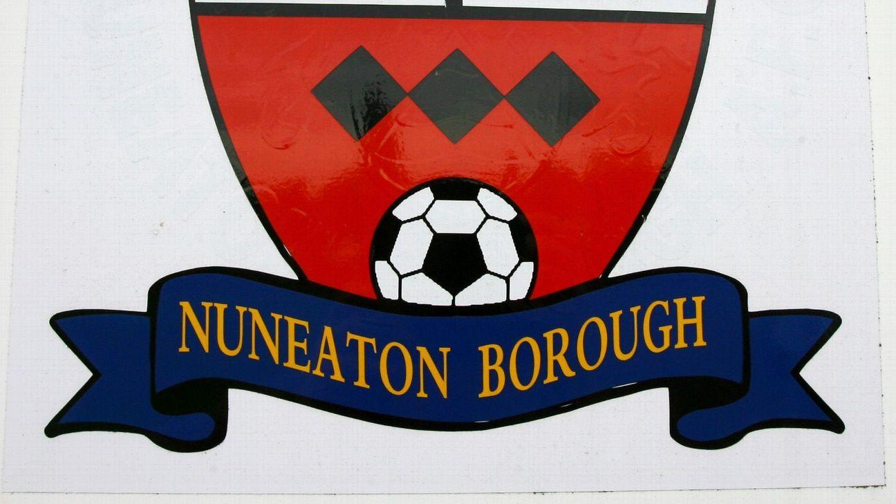Toe Poke Daily: Nuneaton Borough goalie takes the worst penalty kick of all time