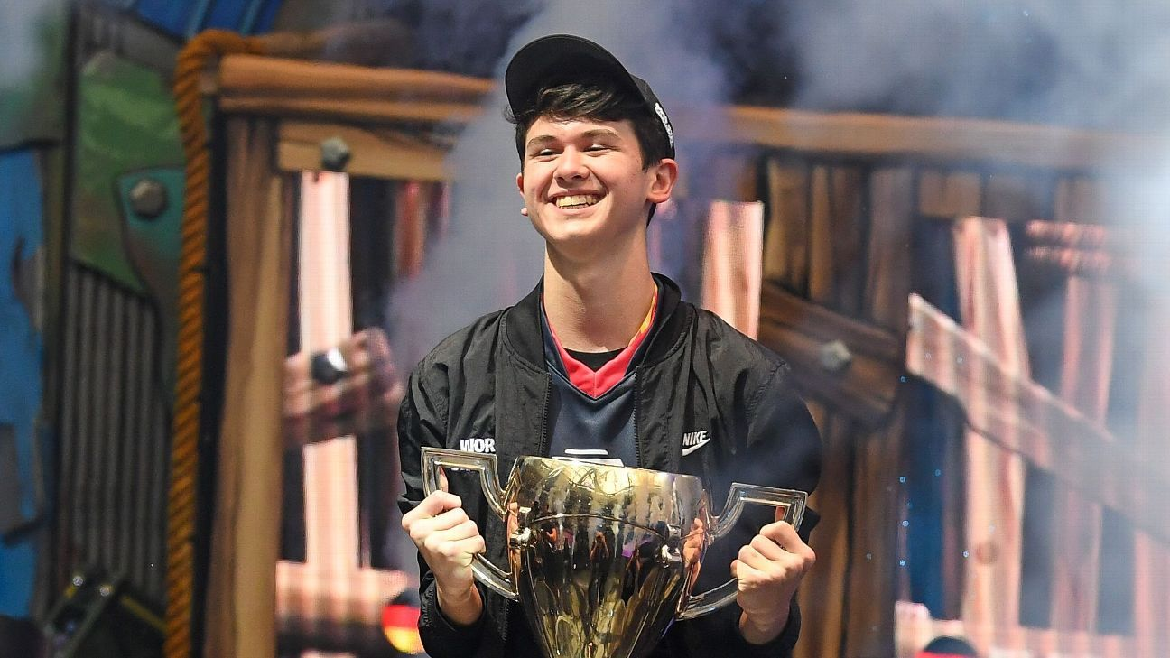 A year in the life of Bugha, the Fortnite World Cup champ