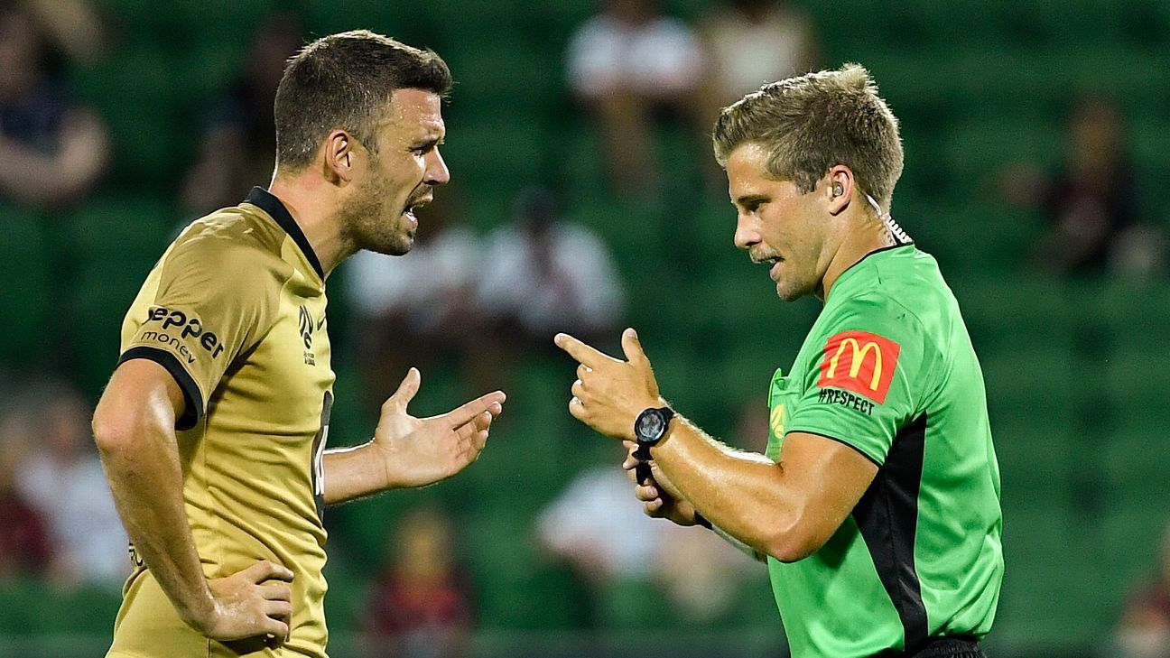 A-League review: Western Sydney Wanderers and Brisbane Roar toothless in possession