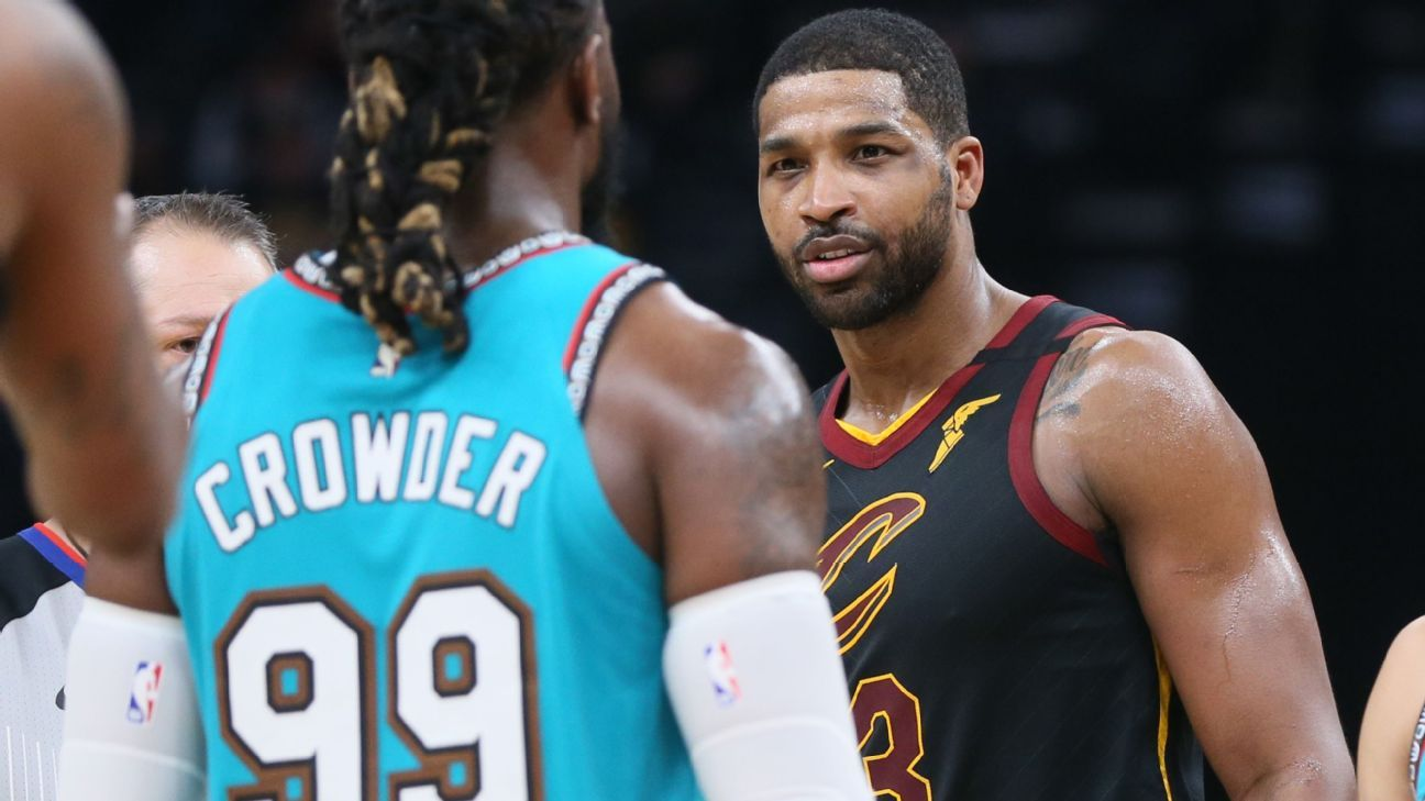 Cavs' Thompson T'd up for Crowder 'butt slap'