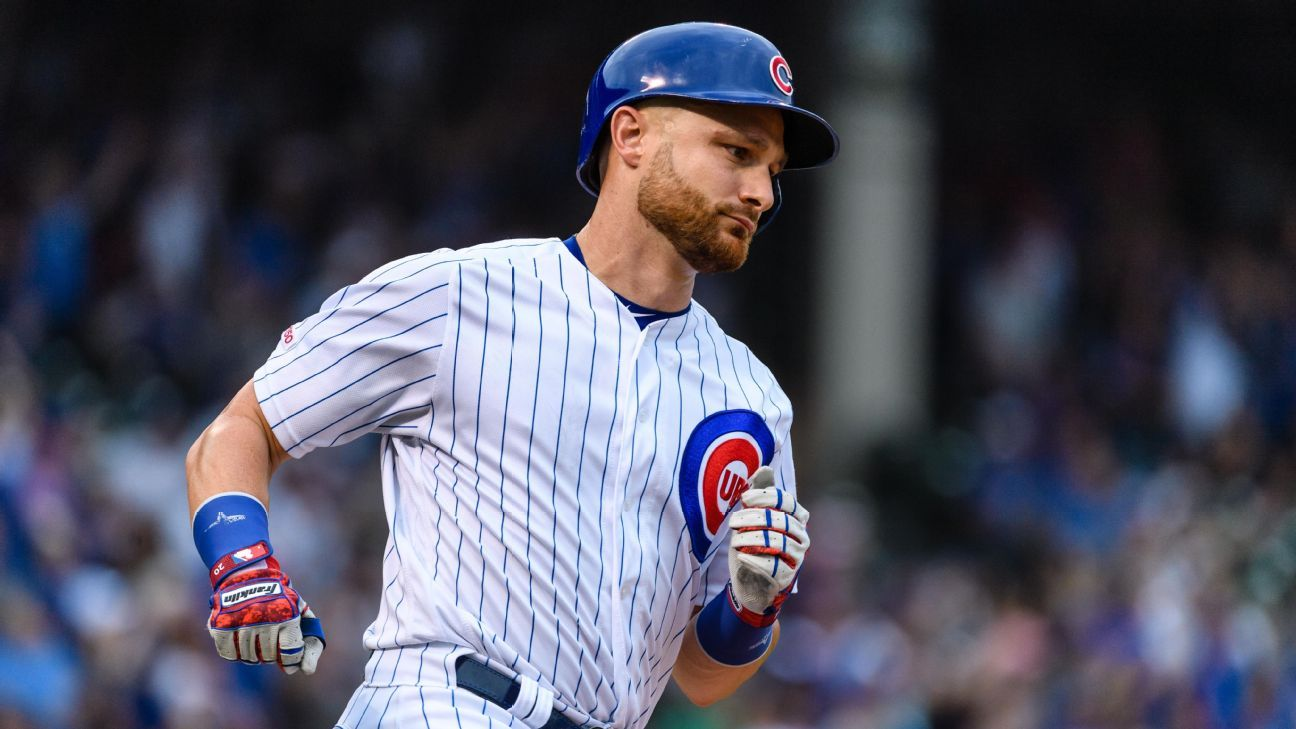 Reports: Lucroy joining Red Sox on minors deal