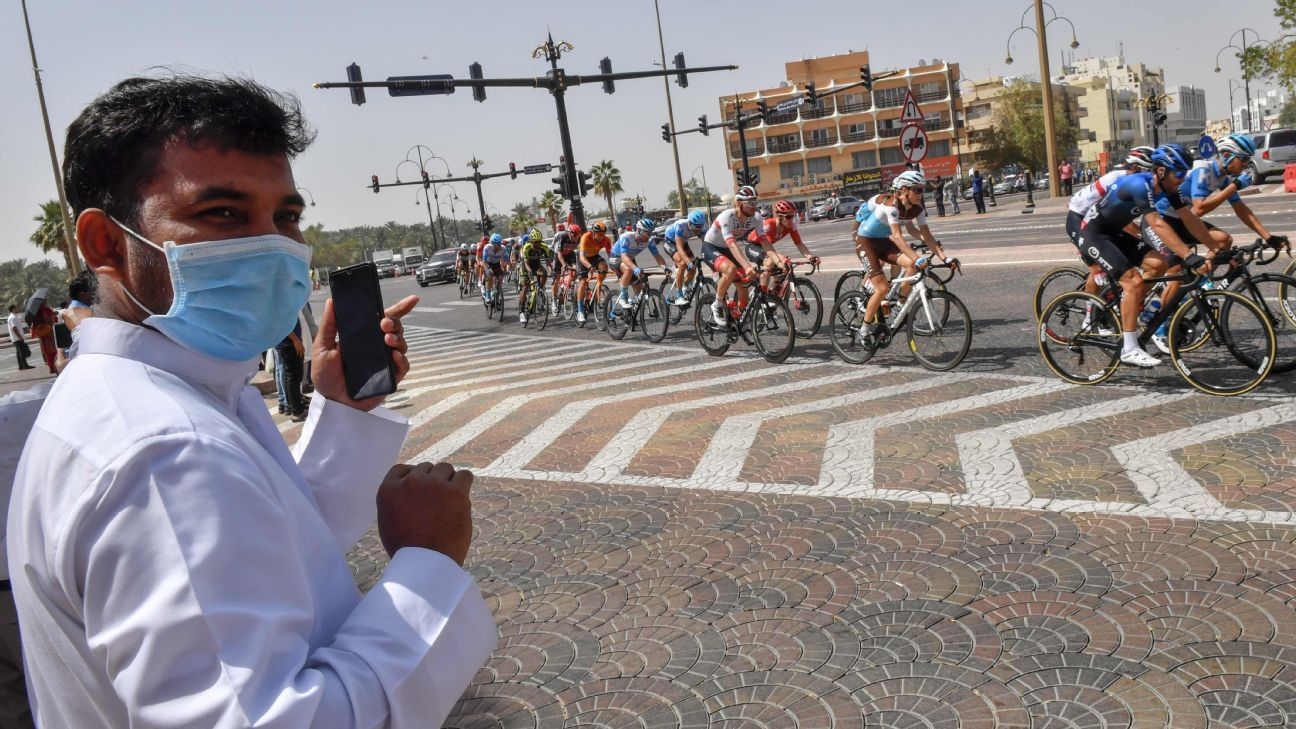 UAE cycling canceled over virus; Froome detained