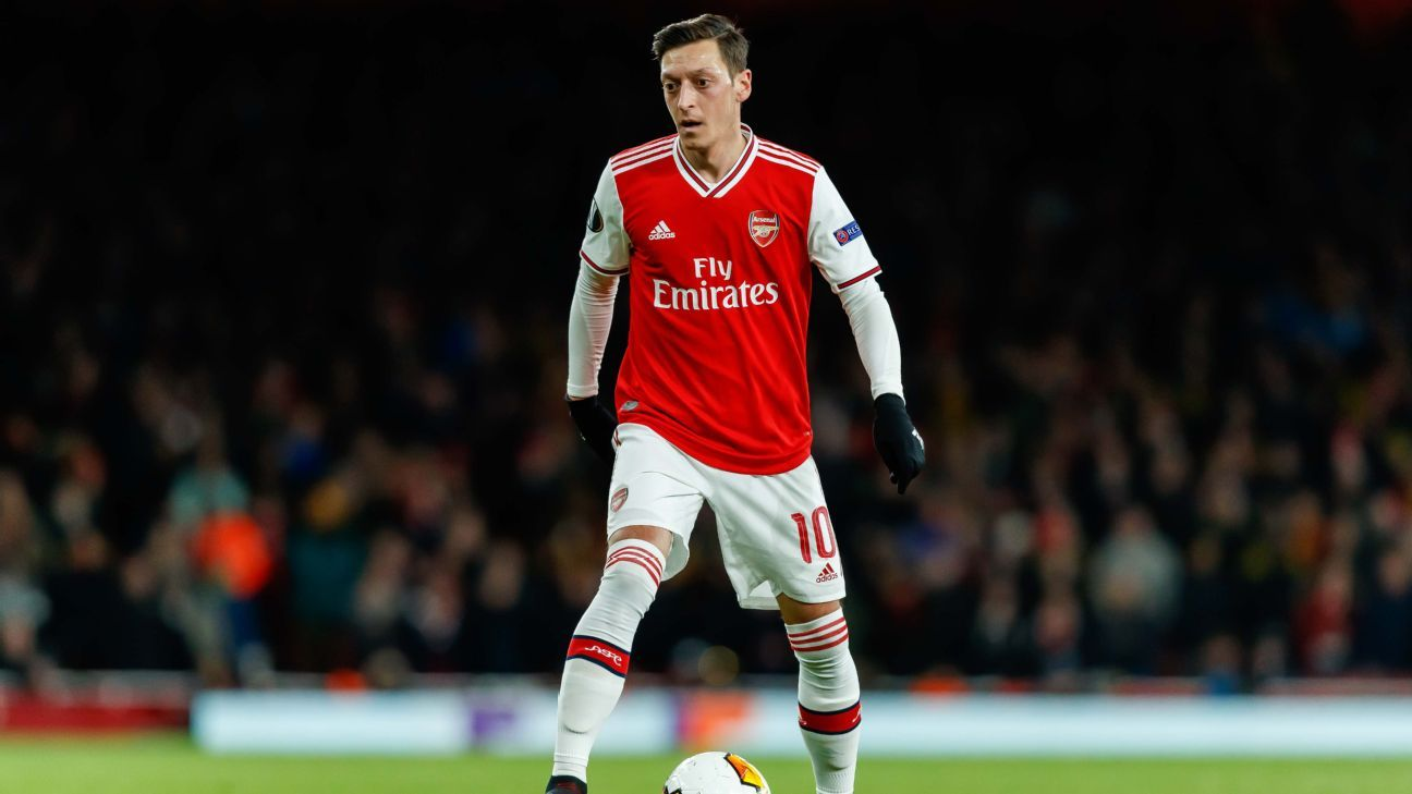 'No chance' Ozil will leave Arsenal - agent