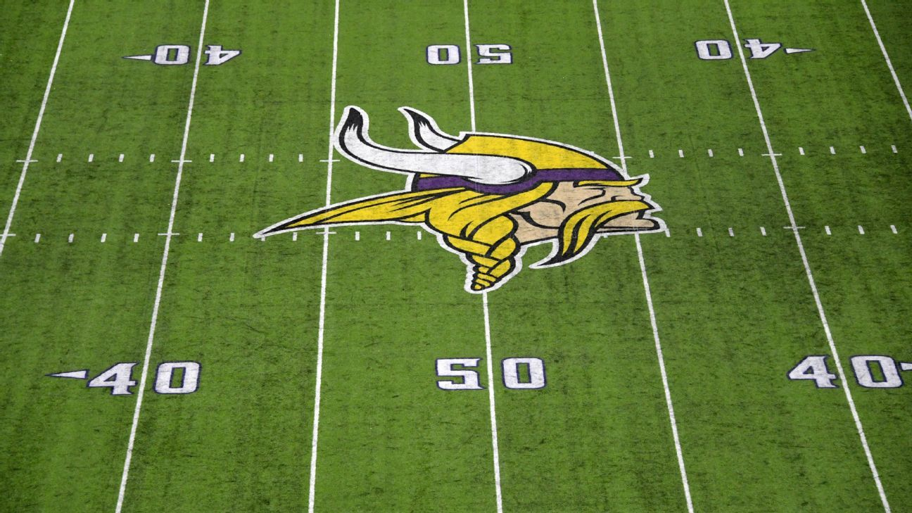Minnesota Vikings name Phil Rauscher new O-line coach because of COVID-19 protocols; Rick Dennison still with team