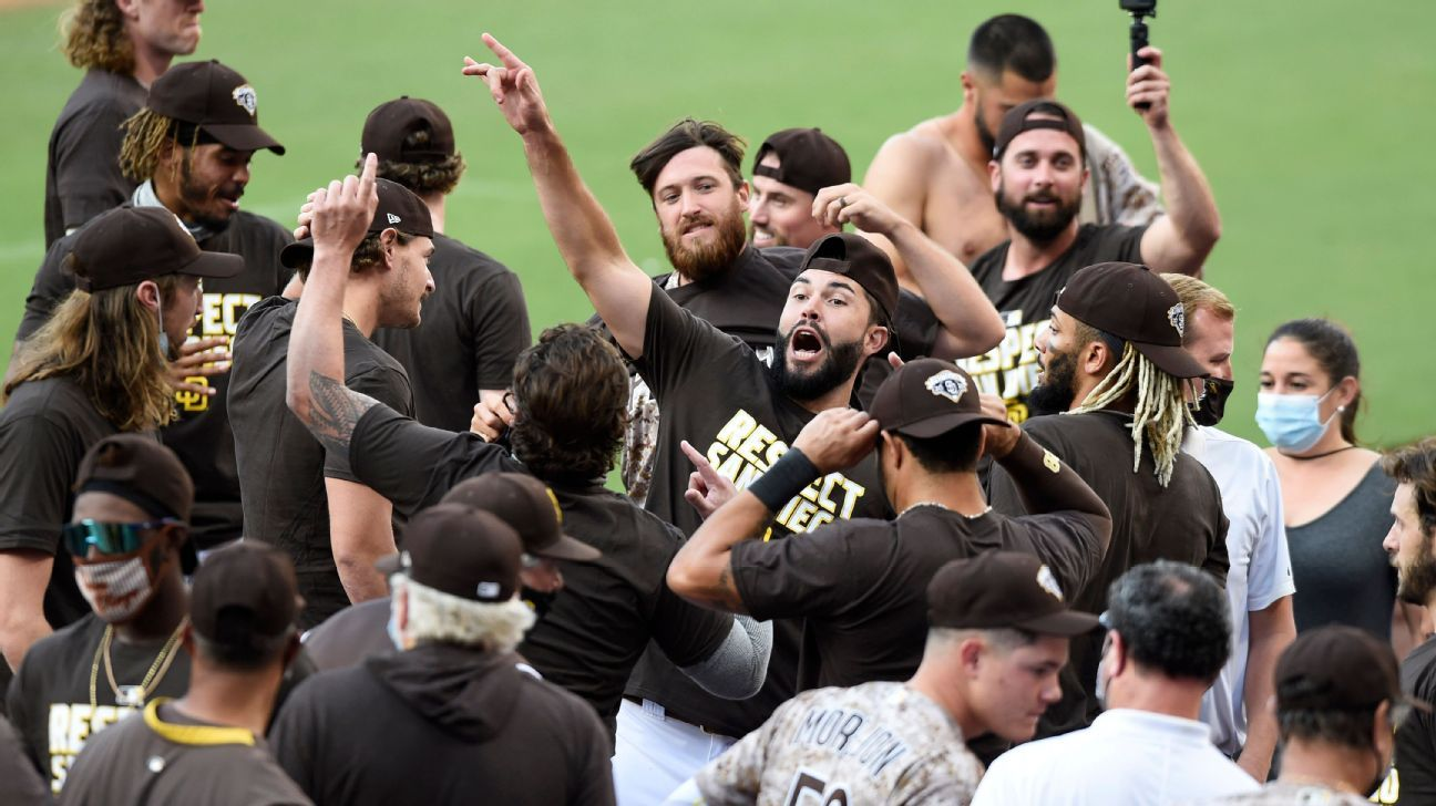 Padres back in playoffs for first time in 14 years