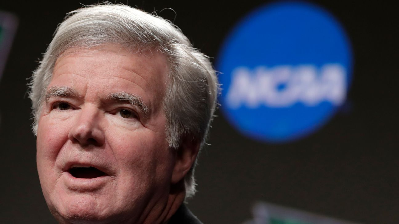 Emmert rejects call for FBS football, NCAA split