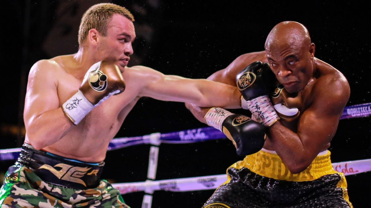 Anderson Silva stuns Julio Cesar Chavez Jr. by split decision in boxing match - ESPN